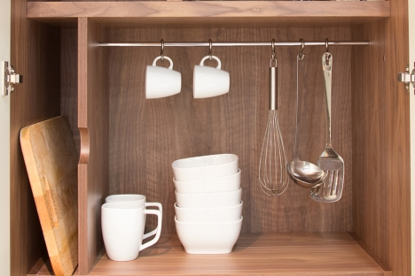 Suspended stainless storage rod